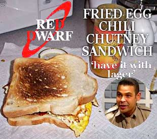 Fried egg chilli chutney sandwich