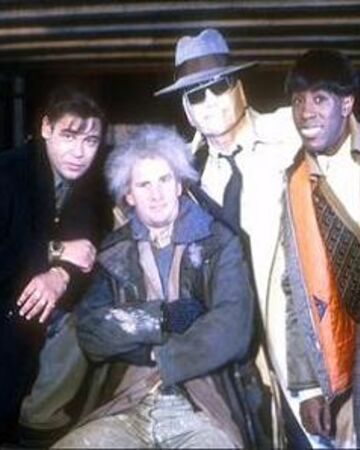 Red Dwarf Crew in Back to Reality